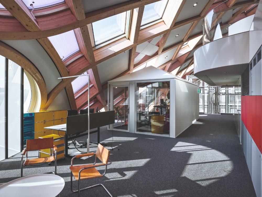 Bitte Ruhe: Die Alcove-Cabins bieten Platz für bis zu sechs Mitarbeiter. Abbildungen: Swatch