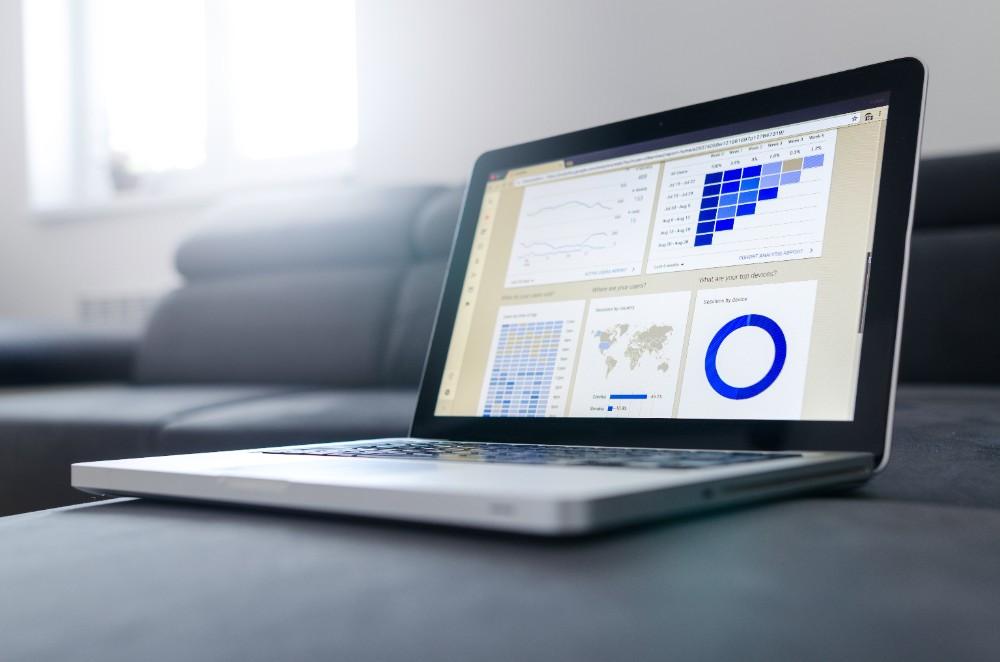 Die digitale Transformation hat in vielen Unternehmen eine hohe Priorität. Abbildungen: Goumbik, Pixabay