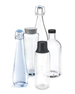 Unterschiedliche Glasflaschen ermöglichen variables Corporate-Branding. Abbildung: Brita