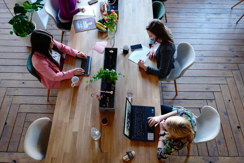 Sauber, ruhig, komfortabel: Das sind Grundlagen einer idealen Büroumgebung. Abbildung: CoWomen, Pexels