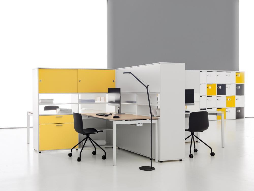 Farbliche Akzente und schlichte Eleganz eignen sich perfekt für das Office. Abbildung: DVO/Tobia Berti Photographer
