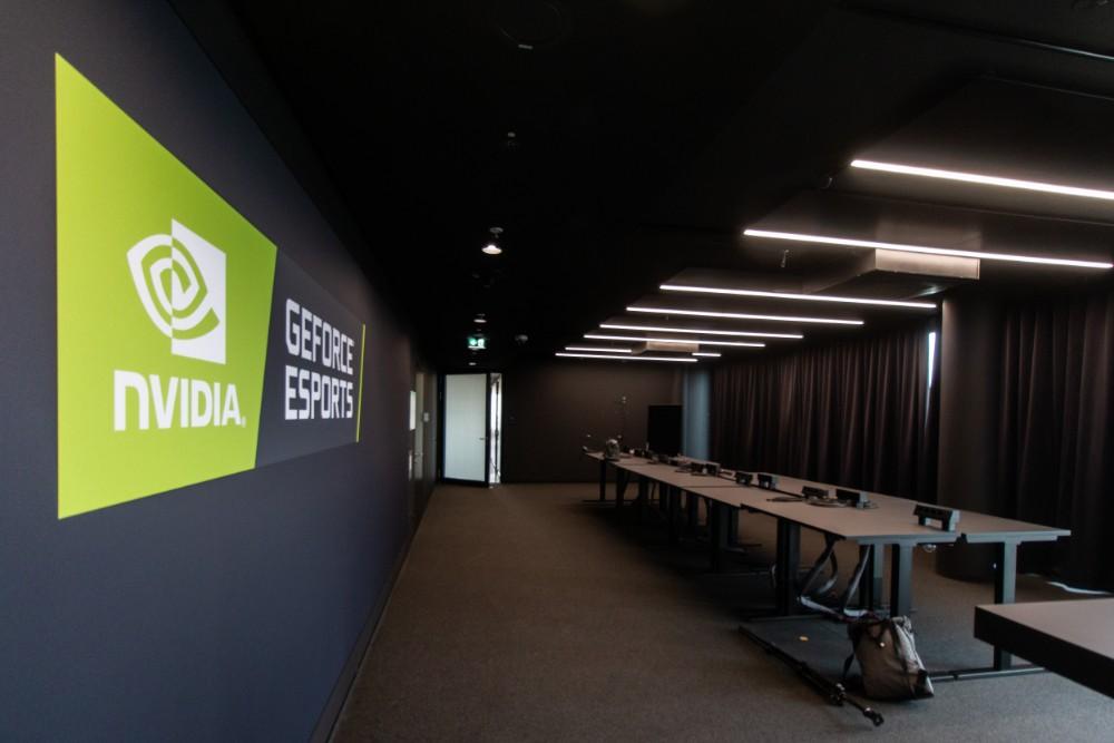 Der Bootcamp-Raum. Hier trainieren die E-Sports-Mannschaften von Nvidia. Abbildung: Gleb Polovnykov, CSMM