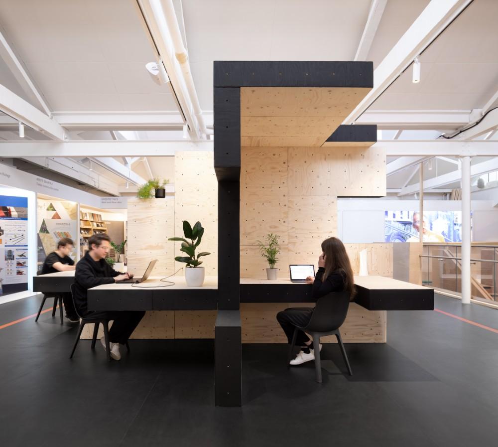 Der Mini-Bürokomplex bietet Platz für bis zu zehn Personen gleichzeitig. Abbildung: Studio Naaro, AUAR
