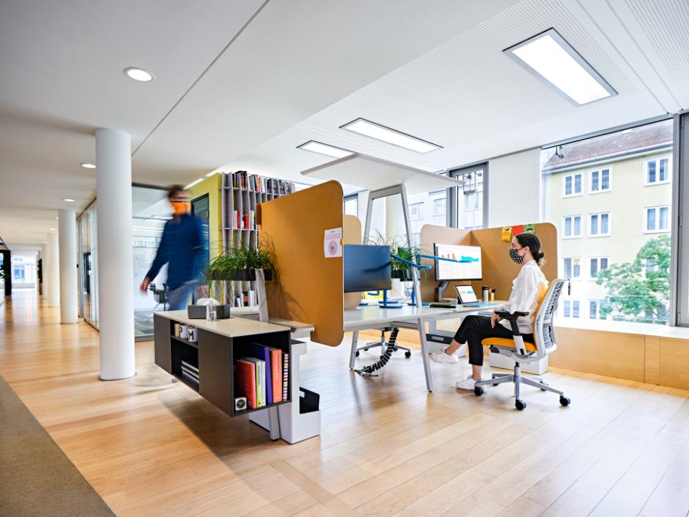 Das Büro bleibt weiterhin wichtiger Arbeitsort. Abbildung: Steelcase