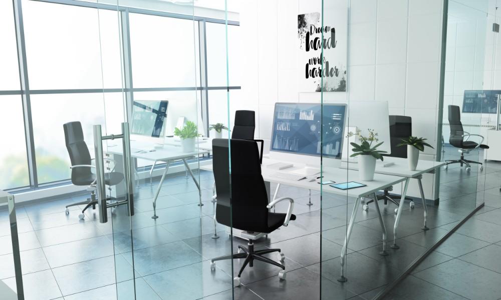 Der Service von myworkspace by Staples reicht von der Abwicklung der Umzugslogistik bis hin zur Planung und Einrichtung ganzer Bürokomplexe. Abbildung: MclittleStock - stock.adobe.com