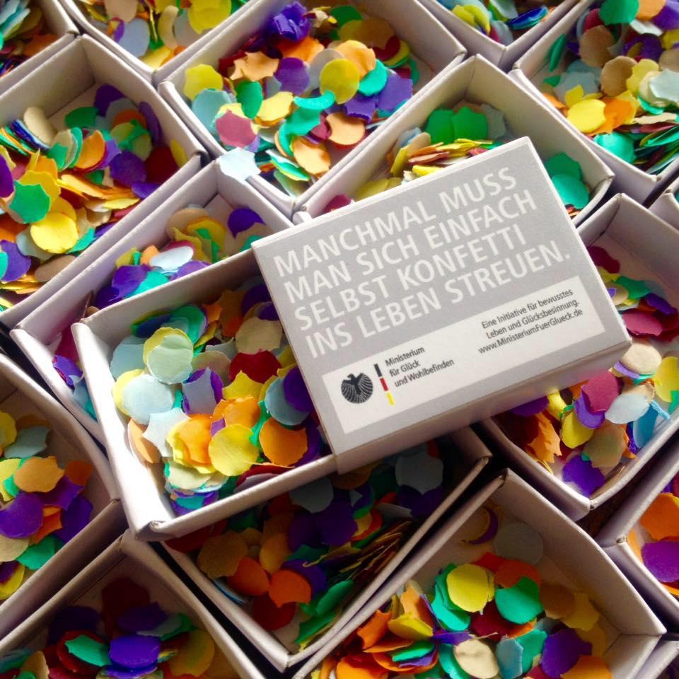 Konfetti macht auch ohne Karneval Spaß. Abbildung: Ministerium für Glück und Wohlbefinden
