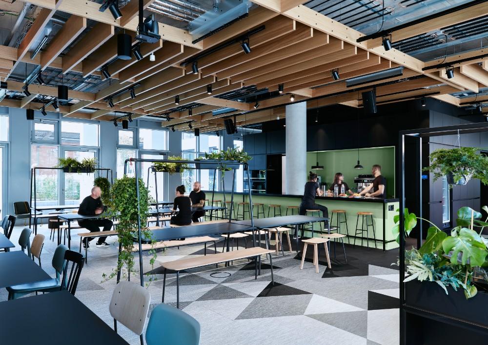 Lunchen, talken, zocken: das Casino im Erdgeschoss. Abbildung: Mark Seelen, de Winder
