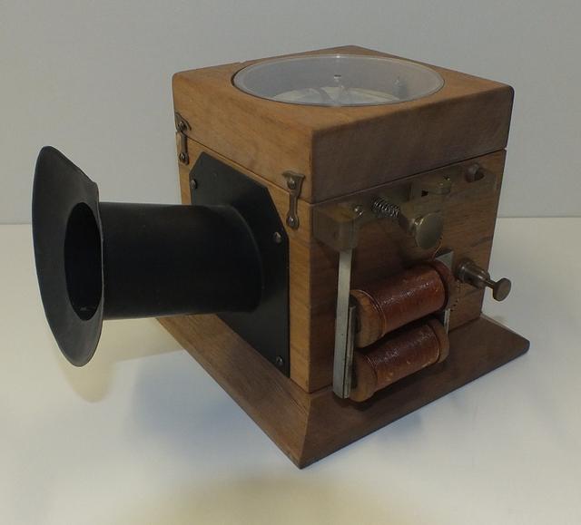 Nachbau des Telefons von Philipp Reis aus dem Jahre 1861. Abbildung: Travok32/Wikipedia Commons