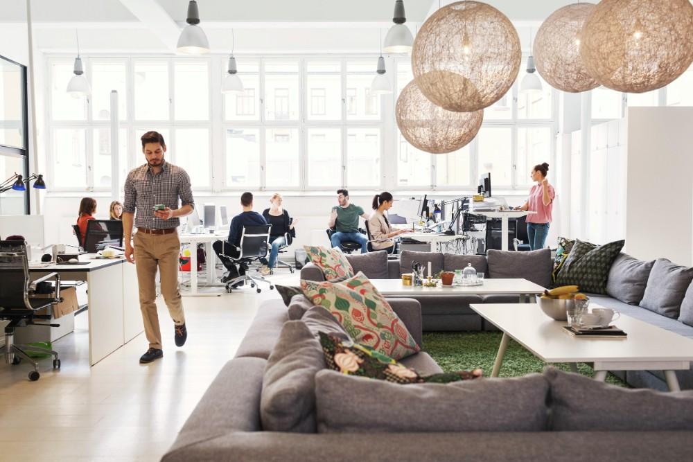 Flexibilität bei der Büromöbelausstattung ist für die Rückkehr ins Büro entscheidend. Abbildung: Alvero