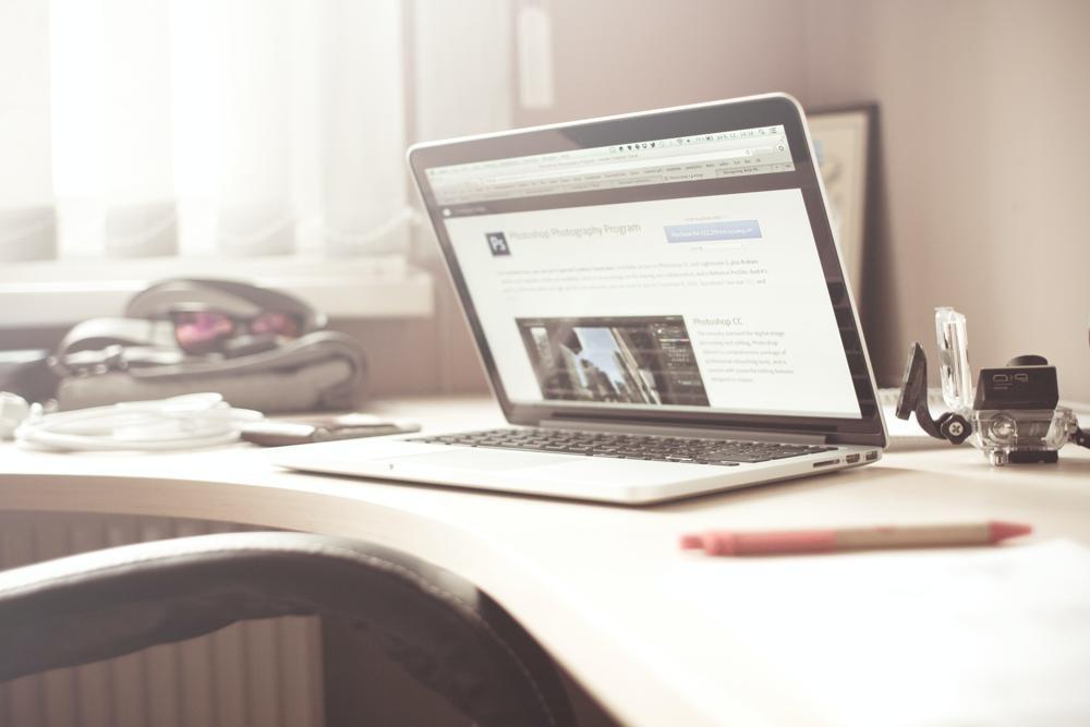Viele HR-Dokumente lassen sich rechtsicher mit digitalen Signaturen unterschreiben. Abbildung: Picjumbo.com, Pixabay