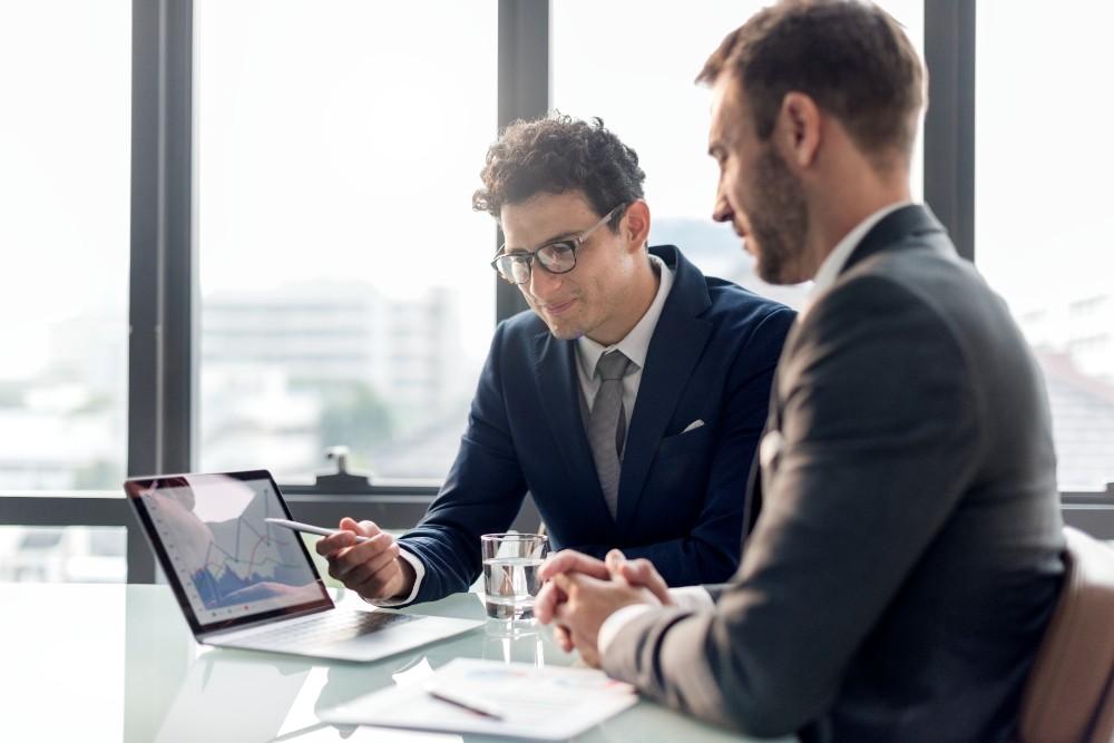 Diskrepanzen im Management behindern eine erfolgreiche digitale Transformation. Abbildung: Rawpixel, Freepik