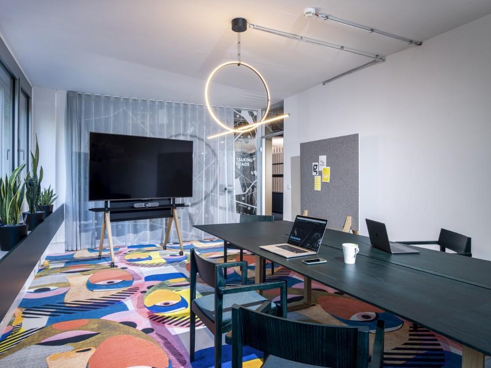 Die Line-Up-Serie kann in folgenden Design-Thinking-Szenarien eingesetzt werden: Social Space, Focus Space, Collaboration Space und Creation Space. Abbildung: roomours