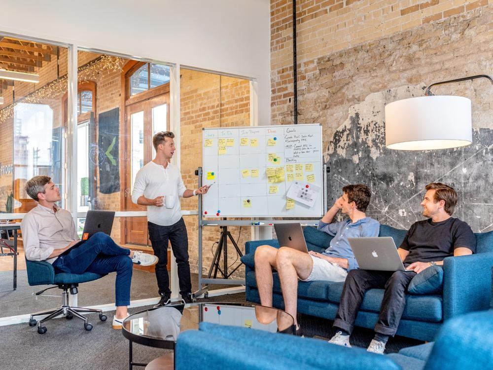 Urano vermittelt Know-how, damit KMUs ihre IT-Infrastruktur so entwickeln und skalieren können, dass sie konkurrenzfähig bleiben. Abbildung: Pexels