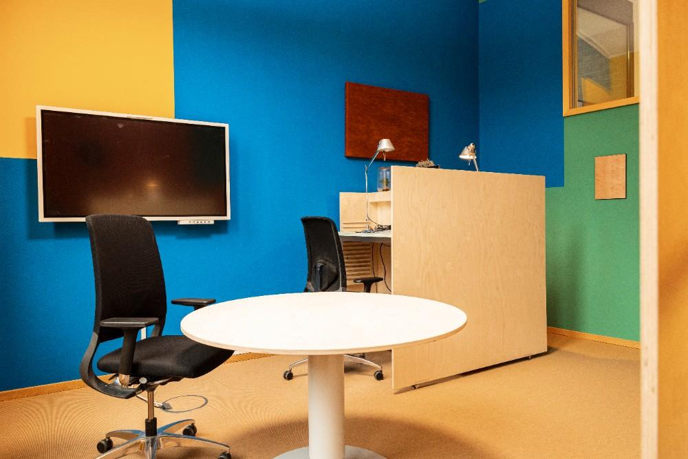 Farben in der Büroeinrichtung schaffen eine besondere Atmosphäre. Abbildung: Sascha Kreklau Fotografie
