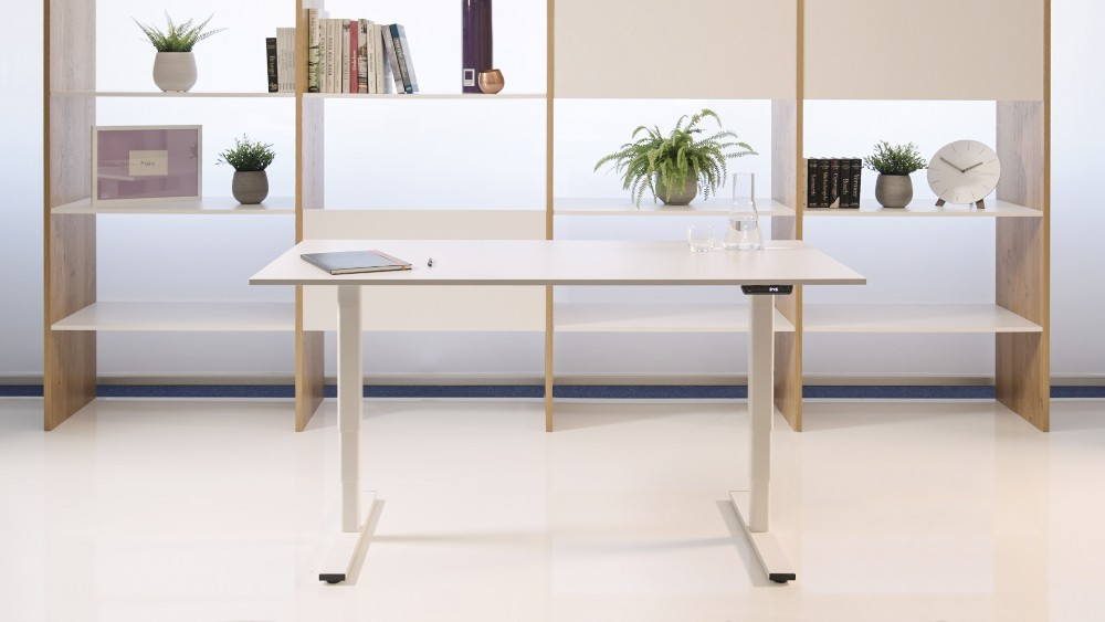 LOGICflex ist Logicdatas erstes selbstkreiertes, höhenverstellbares Tischuntergestell. Abbildung: Logicdata