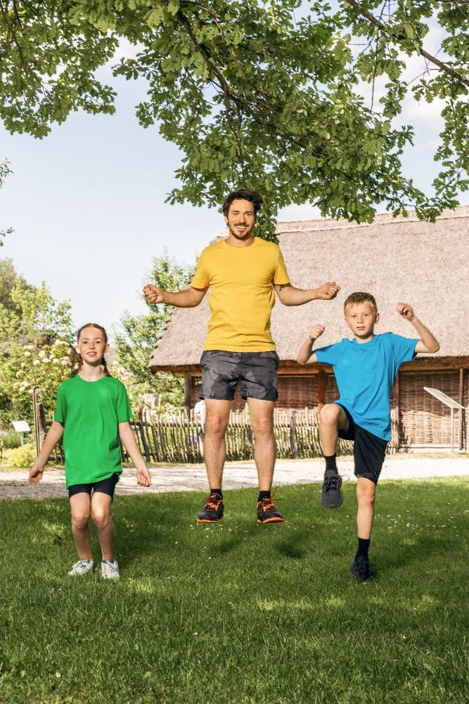 """In dem Programm """"Beweg dich schlau!"""" werden körperliche und geistige Bewegung kombiniert. Vor allem bei Kindern ist das überaus wichtig. Abbildung: Christian Maislinger"""